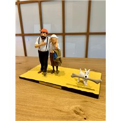 Figurine Tintin on Book, big