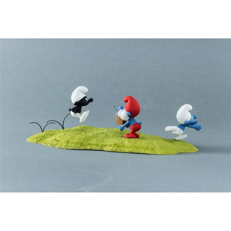 Captain Haddock with bottle, 8cm - Tintin collectible figurine (Moulinsart 42515)