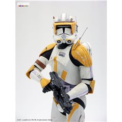 Tintin Transport Model car: the Olympia of the Syldavian spies Nº21 1/24 (Moulinsart 29921)